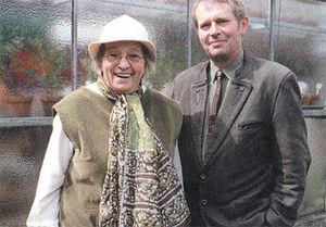 Maria Thun felnőtt fiával, Matthiasszal állította össze a Vetési naptárat
